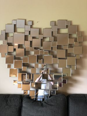 Heart shaped wall mirror for Sale in North Olmsted, OH