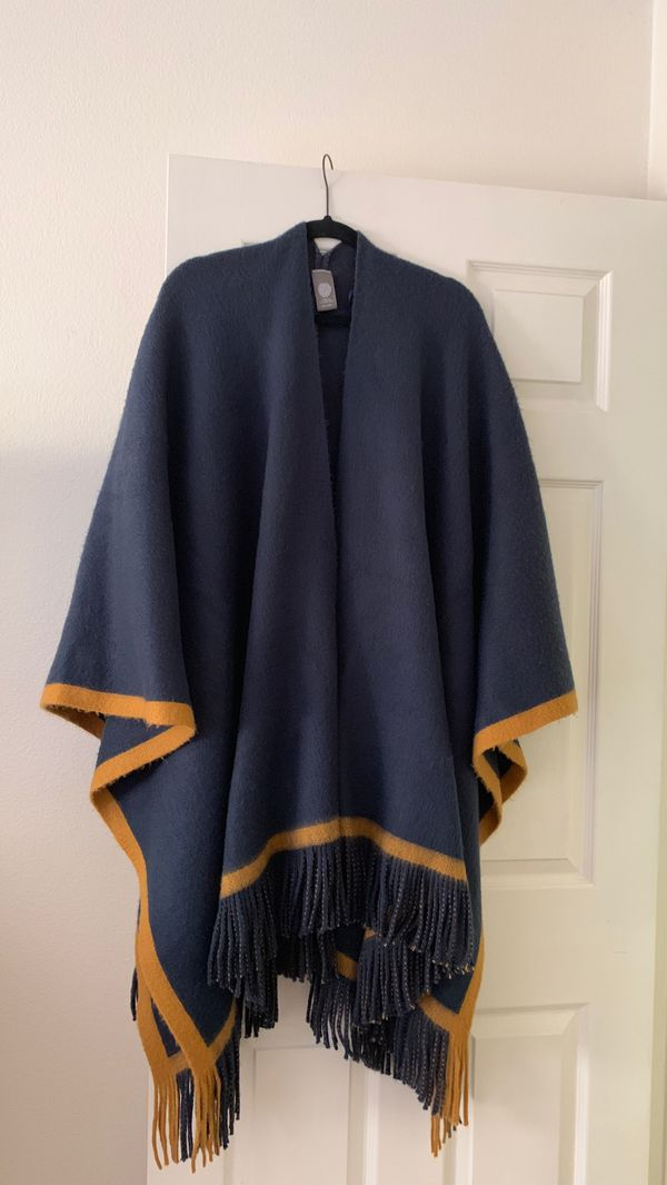 Gorgeous Vince Camuto Poncho