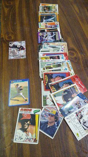 Thousands of baseball football and hockey cards for Sale in McKeesport, PA