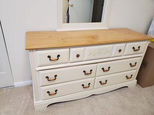 Bedroom set for Sale in Woodbridge, VA