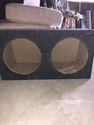 Subwoofer box for two 12s for Sale in Fresno, CA