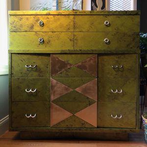 Gorgeous Antique Dresser Bureau for Sale in Oxford, CT