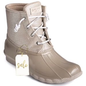 Sperry Dove Rain boots $90 for Sale in Brooklyn, NY
