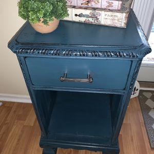 End/Side table for Sale in Woodbridge, VA
