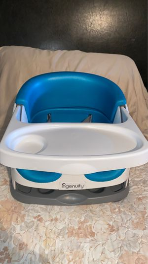 Booster Seat With Tray for Sale in Los Angeles, CA