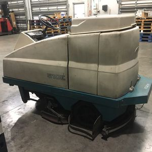 Tennant 510E Ride On Floor Scrubber for Sale in Fort Lauderdale, FL