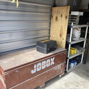 """Large Rolling Job Box I Think It's 5ft Long And 24"""" Wide $200 Firm Send Me Your Number Or I Might Not Reply And If The Ad Is Still Up, It's Still Ava for Sale in Fort Lauderdale, FL"""