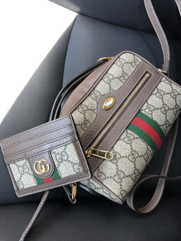****REAL**** Gucci card holder