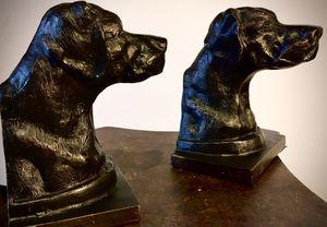 Set 2 heavy cast metal bronze dog sculptures book holders H6xW4.5xL4.5 inch. for Sale in Chandler, AZ