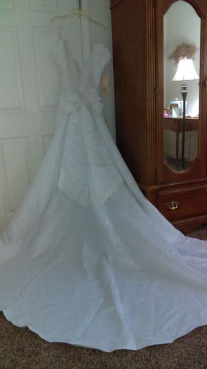 Wedding Dress size 4 for Sale in Canton, GA