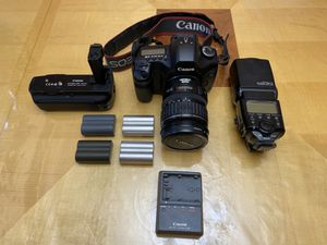Canon 5D with 28-135 Lens, Battery Grip, 580EX Flash Extra Batteries Charger for Sale in Sacramento, CA
