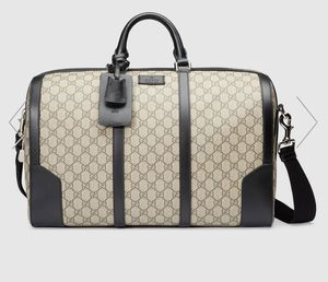 Men's Gucci GG supreme duffle bag for Sale in San Diego, CA