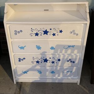 ***BABY DRESSER AND CHANGING TABLE *** for Sale in Decatur, GA