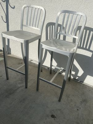 2 matching metal bar stools for Sale in Lakewood, CA