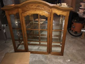 Kitchen table and China cabinet for Sale in Mapleton, IL
