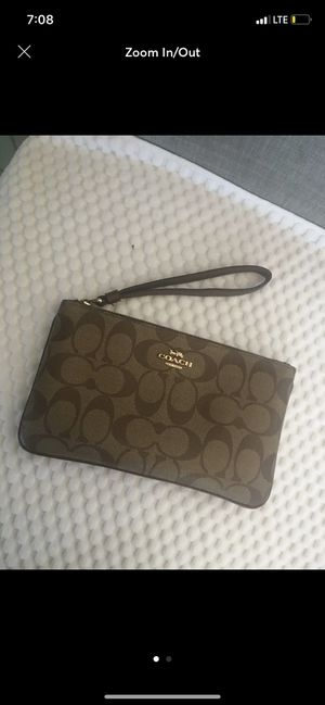 coach wristlet for Sale in North Las Vegas, NV