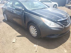 Hyundai sonata for part only for Sale in Opa-locka, FL