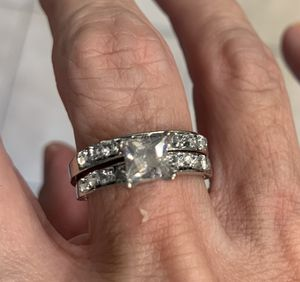 New 2 piece CZ 1.75 kt wedding ring size 9 for Sale in Inverness, IL