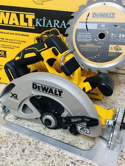 "DeWalt 7 1/4"" Circular Saw With Brake for Sale in Anaheim,  CA"