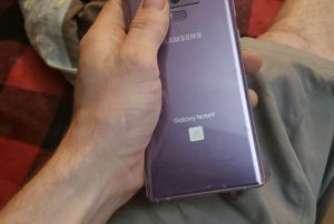 Note 9 pink with hard shell sparkle case. Serious buyers only if you want it shipped its 56.00 to he paid in full prior to receiving tracking # for Sale in Abita Springs, LA