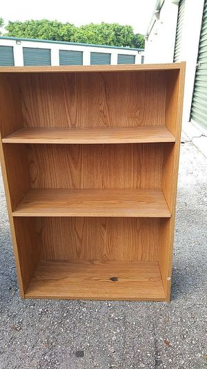 Small book case for Sale in Miami, FL