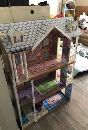 Doll house for Sale in Pittsburg, CA