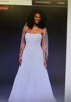 Davids bridal wedding dress for Sale in Austin, TX