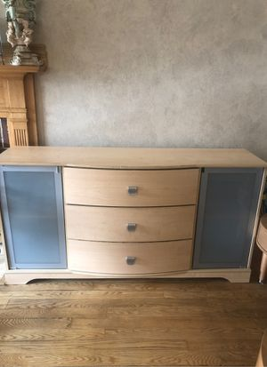 Dresser for Sale in Brookfield, IL