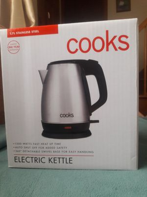 brand new kettle in books for Sale in Bridgeport, CT