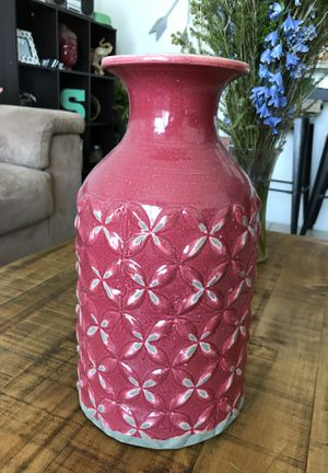 Red large vase decor for Sale in Miami, FL