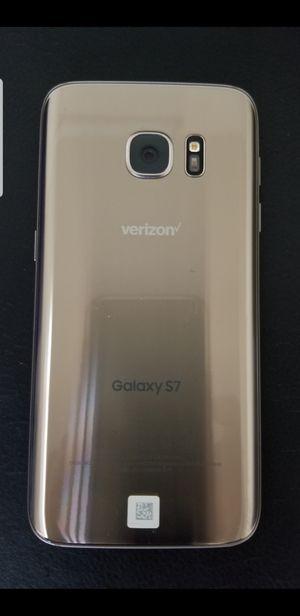 Samsung Galaxy S7 gold 32gb unlocked for Sale in San Jose, CA
