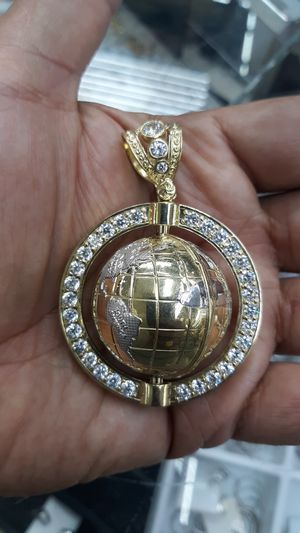 10k gold world charm cz stones 36.7 grams 21/2 inch long for Sale in Los Angeles, CA