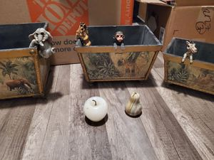 Exotic wildlife storage baskets with breakables for Sale in Phoenix, AZ