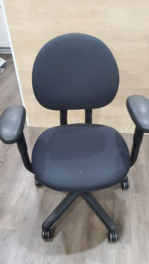 Office chair for Sale in Tustin, CA