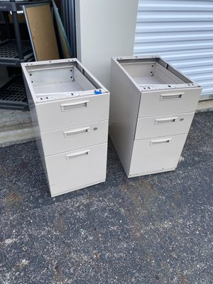 2 small filing cabinets for Sale in Columbus, OH
