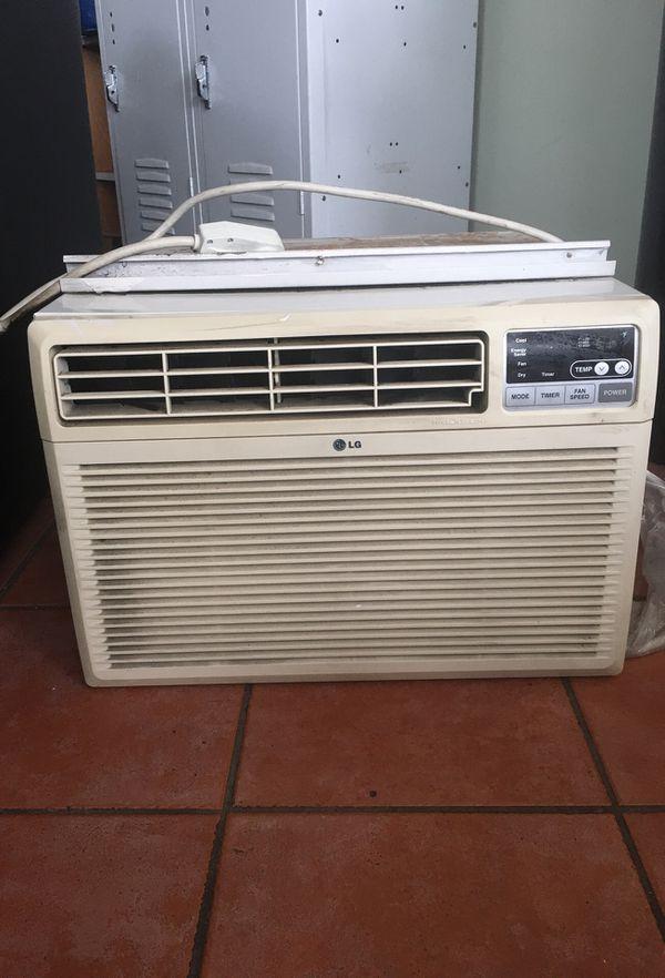 Window AC 10000 btu good working condition