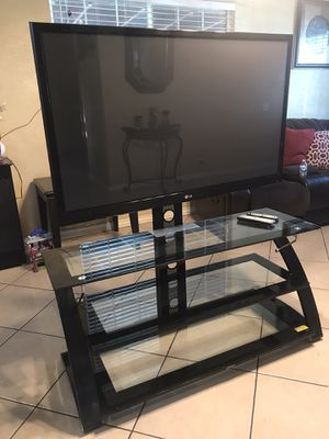 "Tv stand an LG 50"" tv for Sale in Atwater, CA"