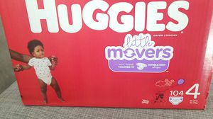 HUGGIES LIL MOVERS SZ 4 104 CT for Sale in Fontana, CA