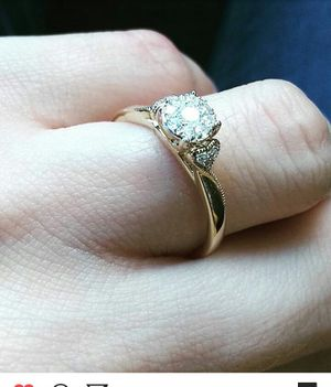 10 k diamond ring ... Only couple months old for Sale in Moline, IL