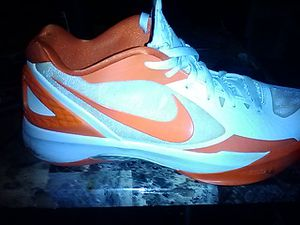 Nike hyperdunk for Sale in Richland, MO