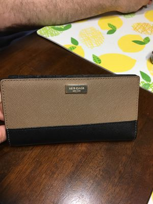 Kate spade wallet for Sale in Falls Church, VA