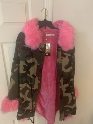 Women's Camouflage Faux Fur Hooded Fashion Jacket /Size: Small for Sale in Little Ferry, NJ