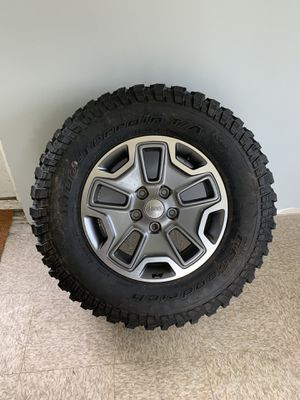 Stock rubicon tire 250$ for Sale in Middletown, CT