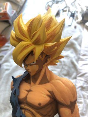 Dragonball Ball Z Battle Damaged Super Saiyan Goku Figure for Sale in Mount Laurel Township, NJ