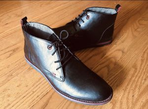 BLACK CHUKKA BOOTS w/Plaid lined Size 12 for Sale in Santa Clara, CA