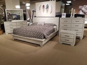 4 PC king size bedroom set for Sale in Fresno, CA