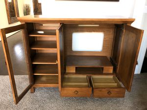 Highboy TV Media Stand with Storage for Sale in Cypress, TX