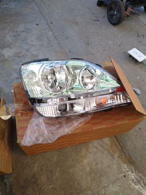 01-03 Lexus RX300 Headlights BRAND NEW! for Sale in Los Angeles, CA