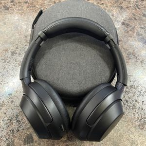 Sony WH1000-XM3 for Sale in San Antonio, TX