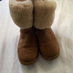 Size 11 Women Ugg's for Sale in Germantown,  MD